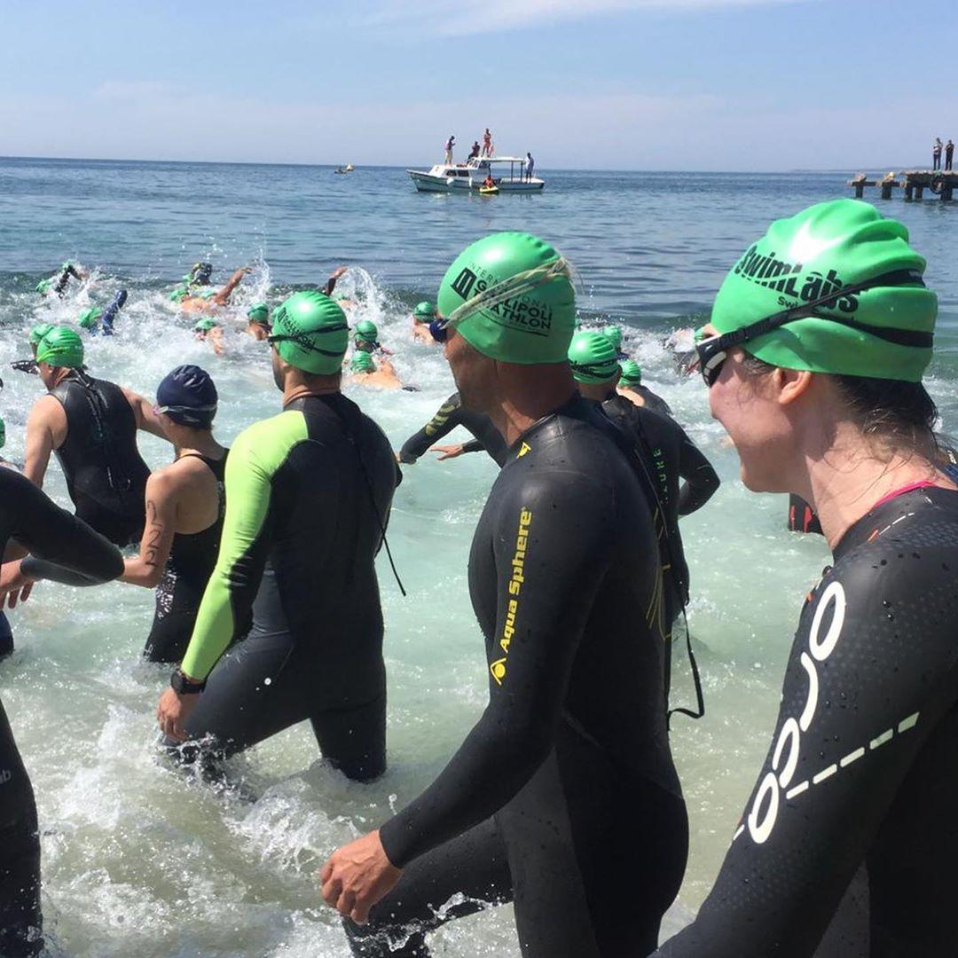 TRIATHLETE Eğer yarışacaksanız yüzmeyi en iyisinden öğrenin! Sonsuz havuzlarımız sizi büyük etkinliğe Hazırlıyor.